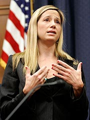 Mira Sorvino Addresses Congress