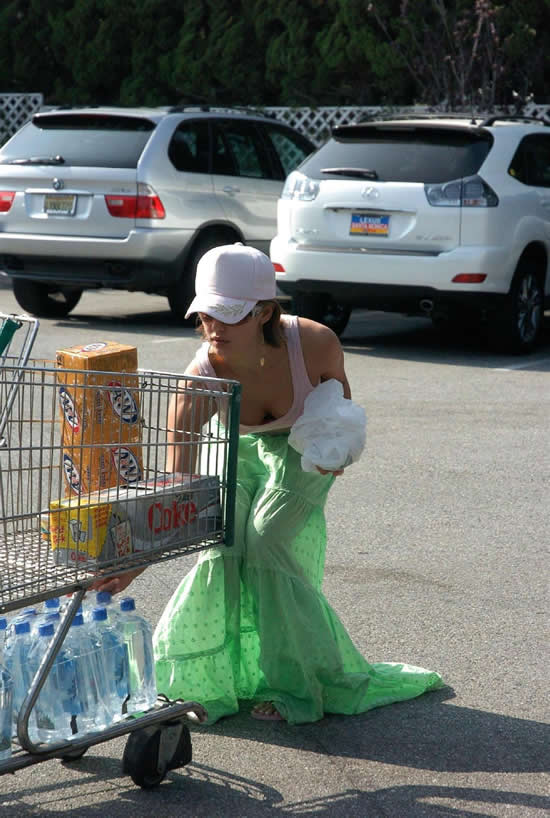 Jessica Alba with water bottles