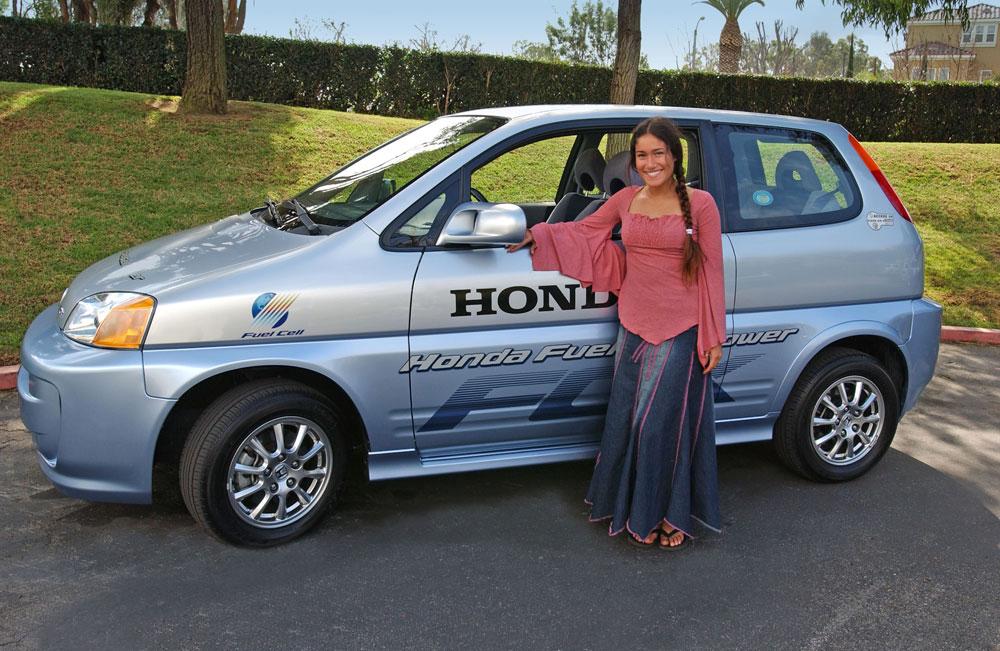 Q'Orianka Kilcher & her new Honda FCX