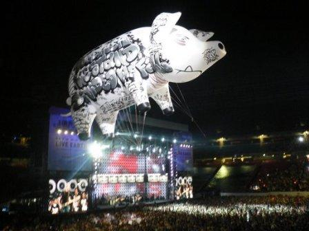 Floating Pig @ Live Earth NY