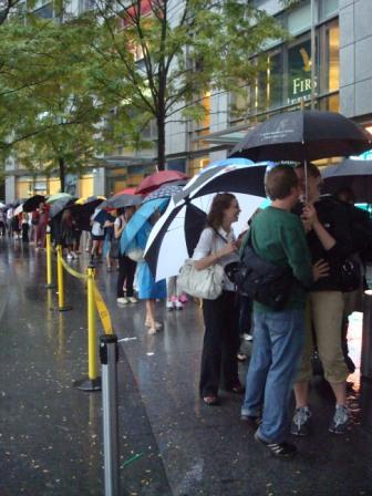 """I'm Not a Plastic Bag"" Line @ Whole Foods Columbus Circle. Photo credit: Melissa Rosenberg"