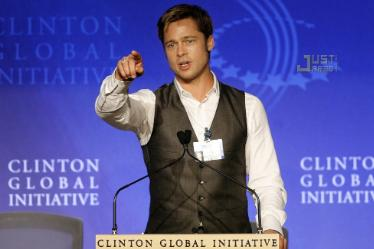 brad-pitt-clinton-global-initiative-02.jpg