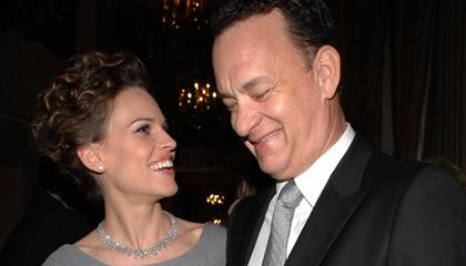 2hilary-swank-unforgettable-hanks.jpg
