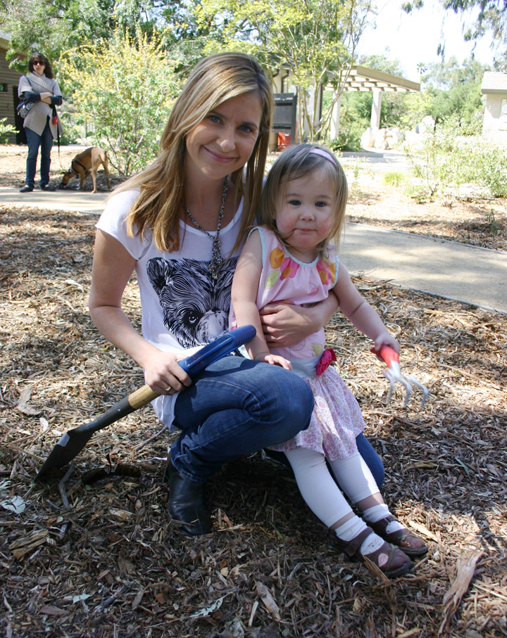 Kellie Martin and daughter Maggie
