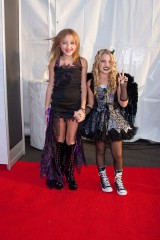 Noah Cyrus and Emily Grace Reaves