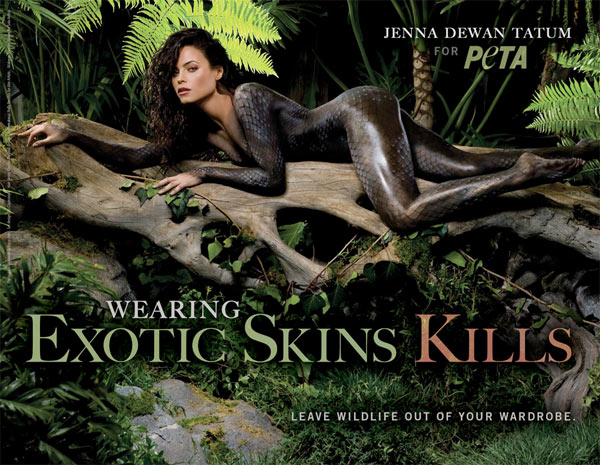 Actor Jenna Dewan Tatum bodypainted to look like a snake