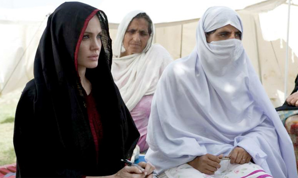 angelina jolie, pakistan flood, UNHCR