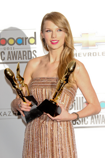 2011 Billboard Music Awards - Press Room