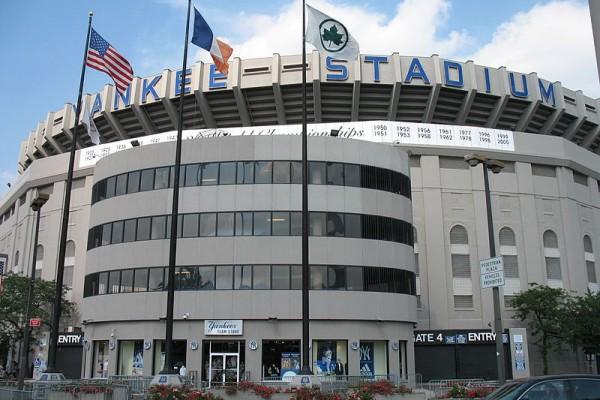 800px-Yankee_stadium_exterior