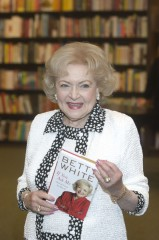 "Betty White ""If You Ask Me: (And of Course You Won't)"" Book Signing at Barnes & Noble in Skokie on May 7, 2011"