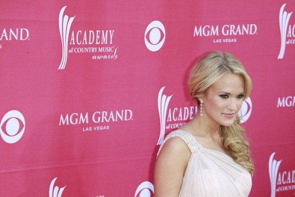Carrie Underwood talks about her vegan diet, fashion and staying fit