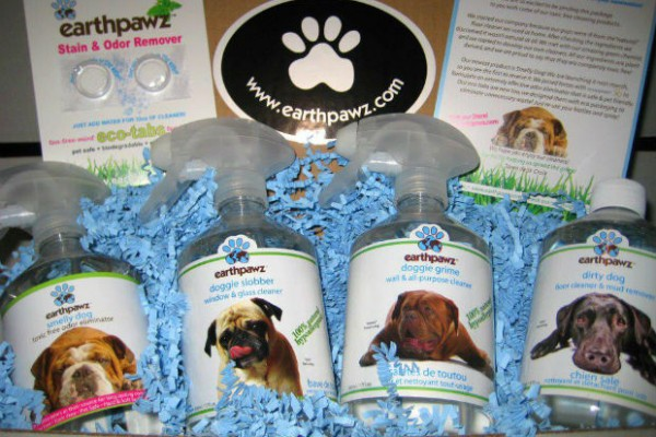 2012 Oscar swag bags included eco-friendly and organic gifts like non-toxic pet cleaning products from earthpawz