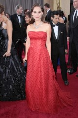 natalie portman wearing vintage christian dior at 2012 oscars