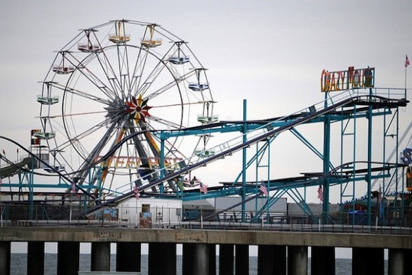 steel pier will be the site of the new horse diving show