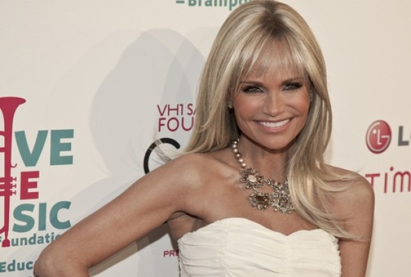 Kristin Chenoweth joins NYCLASS' campaign to ban NYC's horse carriages