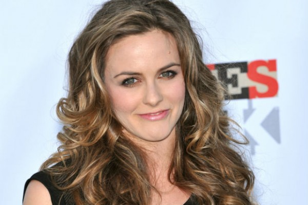 Alicia Silverstone and Juice Beauty create eco-friendly makeup and skincare collection