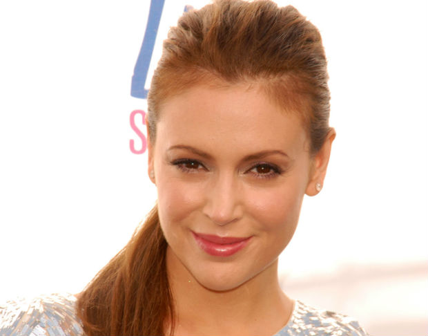 Alyssa Milano will host vegetarian dinner party in honor of Jamie Oliver's Food Revolution Day