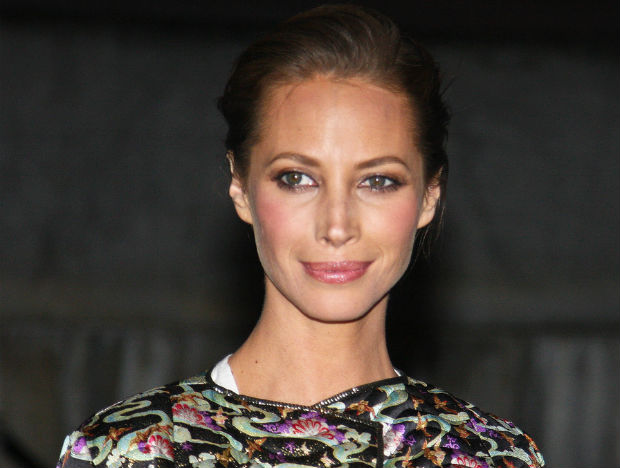 Christy Turlington raises maternal mortality awareness this Mother's Day