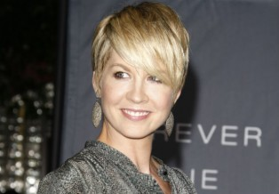 Jenna Elfman rescues 8-week-old puppy from the L.A. Animal Rescue