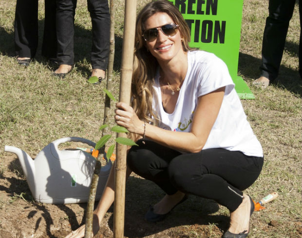 Gisele Bundchen plants the first of 50,000 trees in Brazil for World Environment Day and Green Nation Fest