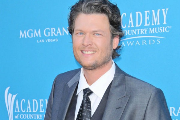 Blake Shelton recieves backlash from fans and Ellen DeGeneres for animal cruelty joke