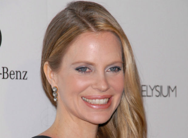 Kristin Bauer van Straten creating documentary to end rhino and elephant poaching