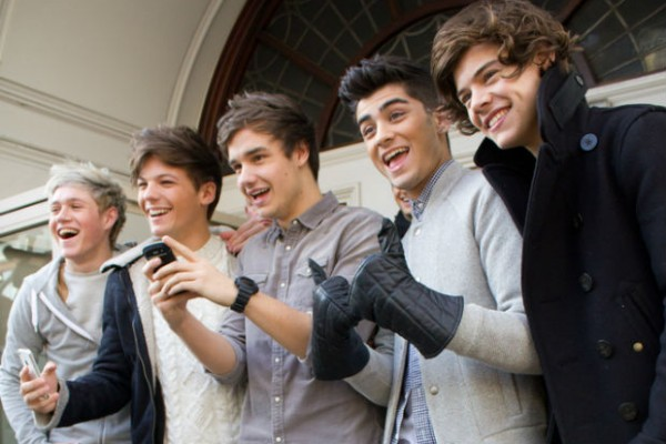 One Direction open to the idea of posing nude for charity