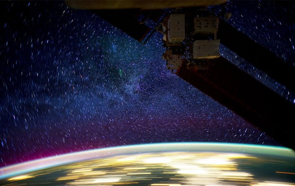 Time Lapse video of space from the ISS