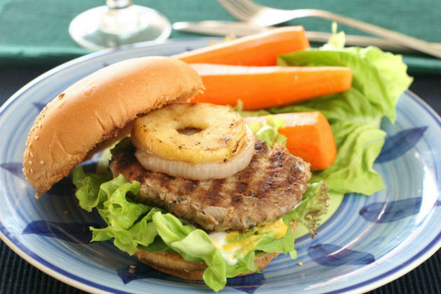 Celebrate July 4th with vegan tropical veggie burgers from PETA