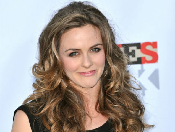 Alicia Silverstone writes to Putin asking for vegan food for Pussy Riot's vegan member and all prisoners.