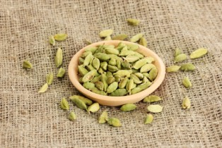 how to make cardamom tea