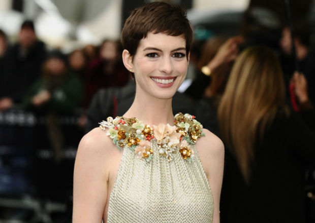 Anne Hathaway describes 25 pound weight loss for 'Les Miserables' as 'obsessive'