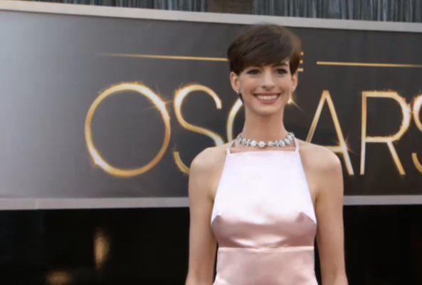 Oscars 2013 Red Carpet... Anne Hathaway Obituary