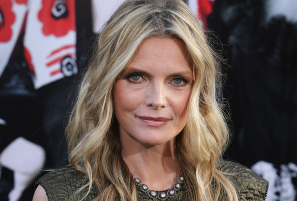 Recent Pictures Of Michelle Pfeiffer >> Michelle Pfeiffer Credits Vegan Diet for Ageless Looks : Ecorazzi