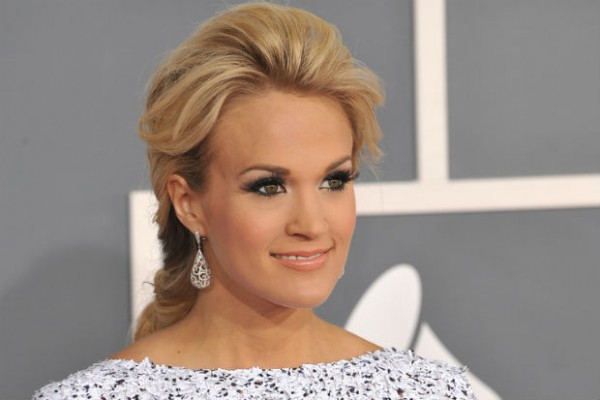 Carrie Underwood tweets anger over Tennessee Ag Gag bill