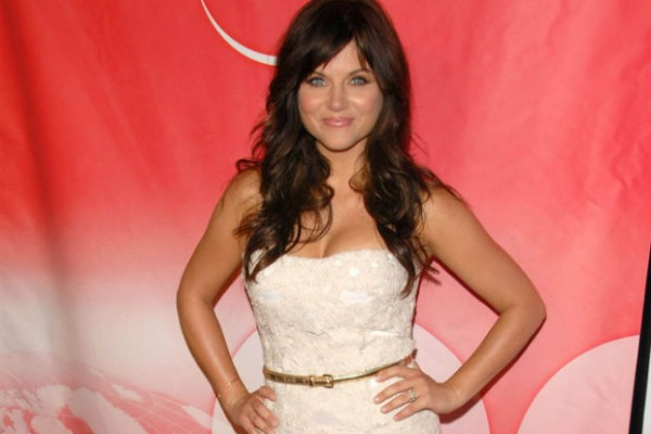 Tiffani Thiessen partners with Glad's One Bag campaign