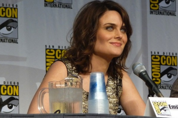 Emily Deschanel tweets for support of vegan shoe kickstarter