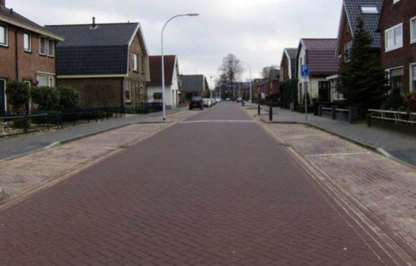 smogeatingsidewalk