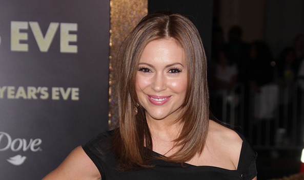 Alyssa Milano rescues abused dog from South Korean slaughterhouse