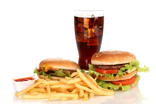 Unhealthy foods pose a greather health risk than smoking, according to a UN expert