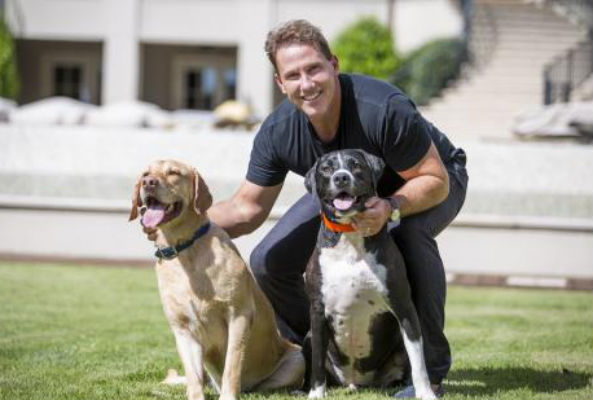 Author Nicholas Sparks is teaming up with PetSmart Charities to give one lucky fan's adopted pet a starring role in his next novel.