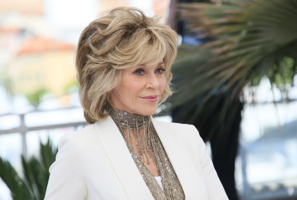 Actress and activist Jane Fonda ?took part in the Jobs, Justice and the Climate March in Toronto on Sunday.